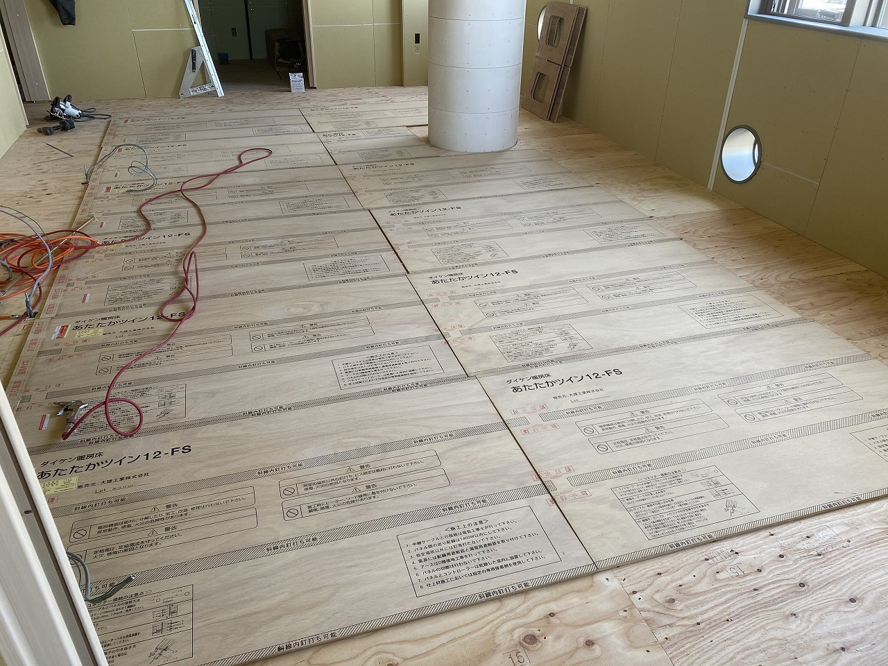 床暖房設置完了しました!